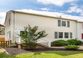 2704 Kenwood Avenue,Alexandria,Virginia 22302,3 Bedrooms Bedrooms,2.5 BathroomsBathrooms,Single Family Home,Kenwood,1025