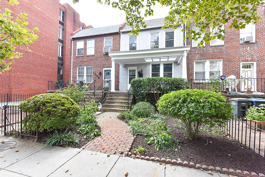 1328 22nd Street NW,Washington,District Of Columbia 20037,4 Bedrooms Bedrooms,3 BathroomsBathrooms,Single Family Home,22nd Street,1033