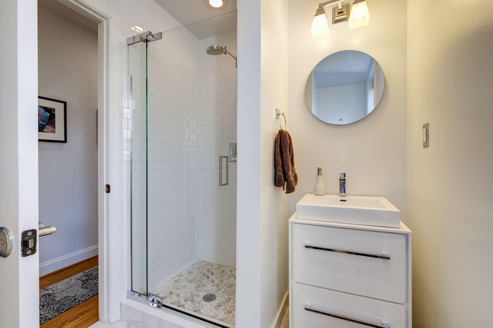 1840 Vernon Street NW,Washington,District Of Columbia 20009,3 Bedrooms Bedrooms,2 BathroomsBathrooms,Condominium,The Coronado,Vernon Street,4,1045
